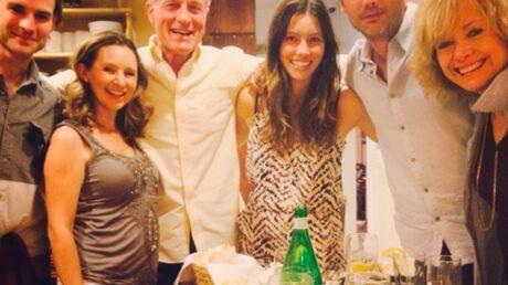 7 à la maison: Jessica Biel et le casting de la série réunis le temps d'un dîner
