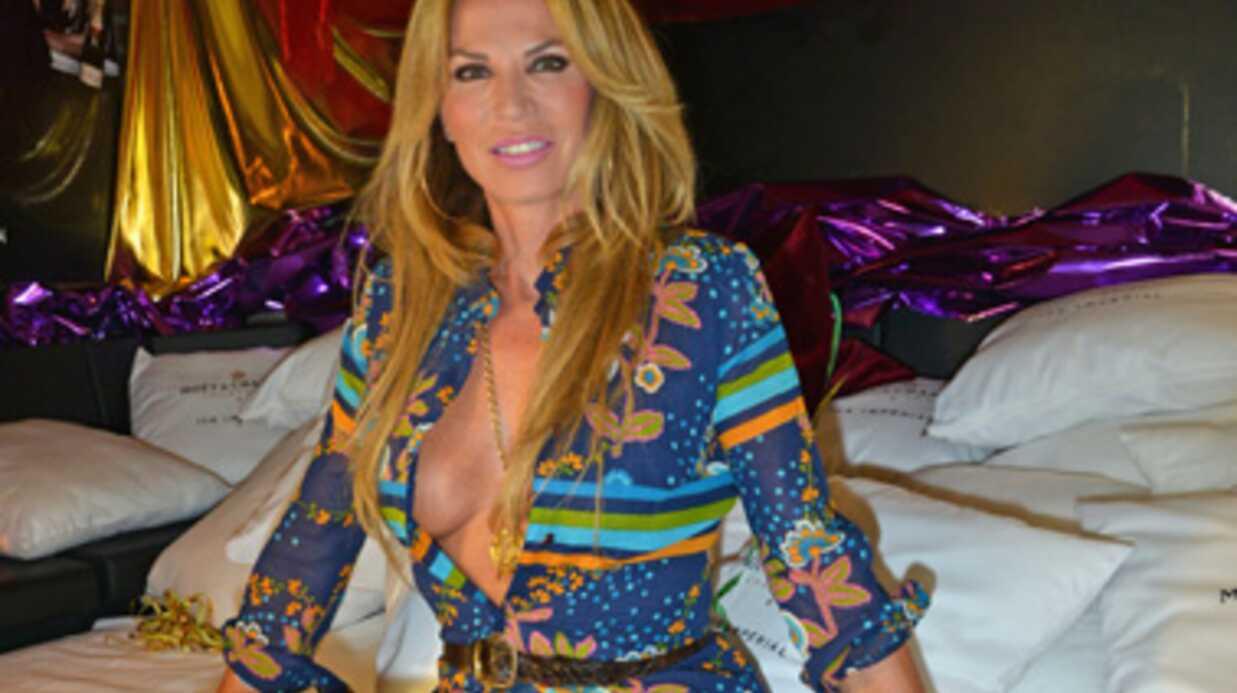 PHOTOS Rosalie Van Breemen: l'ex-compagne d'Alain Delon ose une tenue très hot