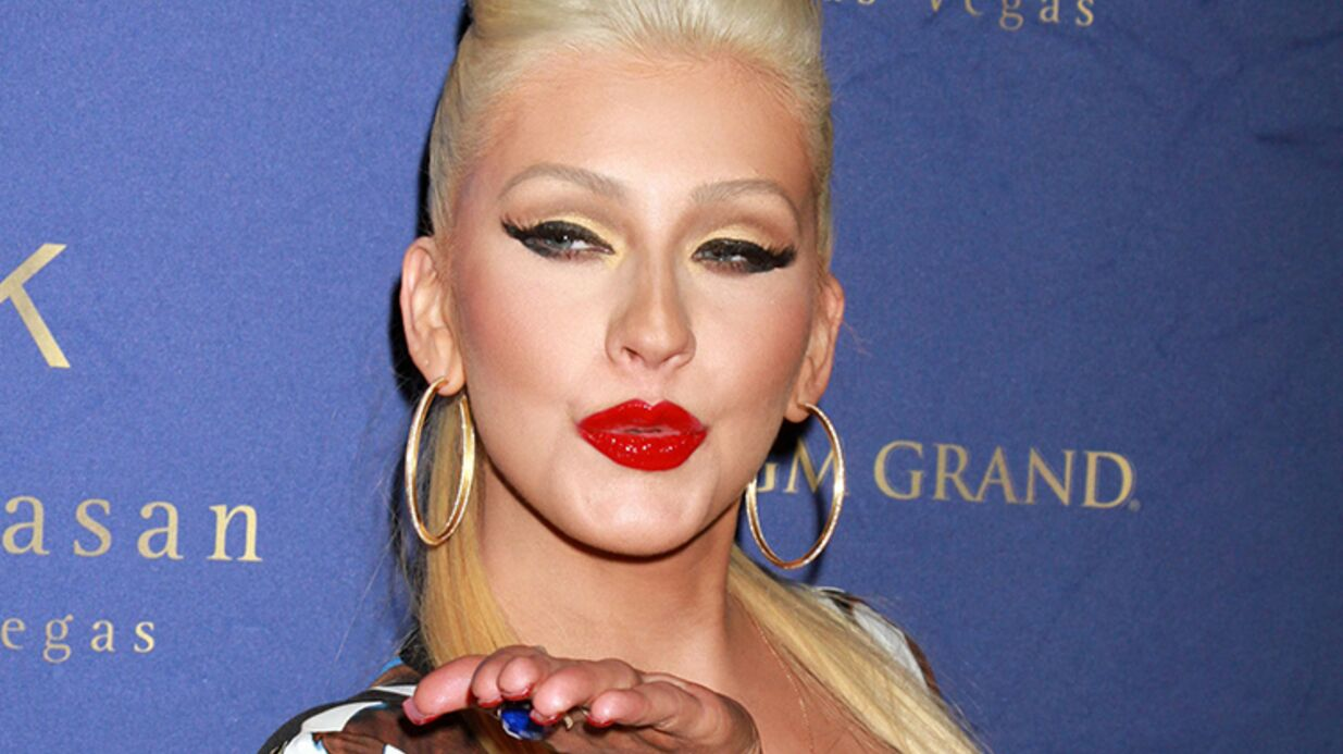 DIAPO Robe serrée, Christina Aguilera a repris du poids et l'assume!