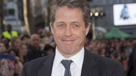 Hugh Grant balance les noms des actrices qui ne l'aiment pas après avoir joué avec lui