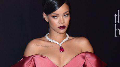 Rihanna: ivre, son père s'est fait éjecter de la soirée de gala qu'elle organisait à L.A