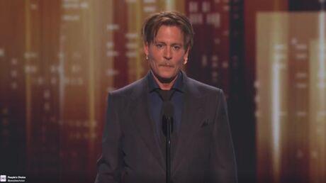VIDEO Johnny Depp récompensé: il fait allusion à son divorce avec Amber Heard
