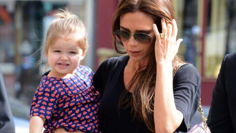 Victoria Beckham: à 3 ans, sa petite Harper joue déjà les créatrices de mode!