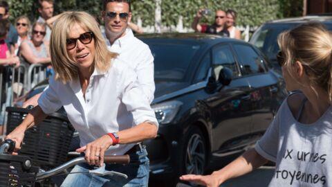 PHOTOS Brigitte Macron: sa balade à vélo en mini-jupe enflamme le Touquet