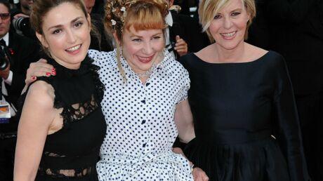 Cannes 2016: Julie Depardieu et Julie Gayet complices et excentriques sur les marches
