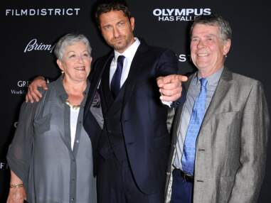 Les stars posent avec leurs parents sur le red carpet