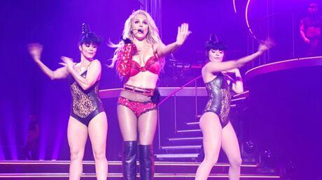VIDEO Britney Spears fait monter un acteur connu sur scène mais ne le reconnait pas!