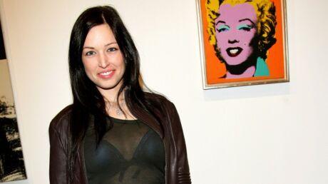 Natasha St-Pier adapte des textes religieux en chansons.