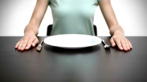Et si l'on dînait plus tôt pour perdre du poids?