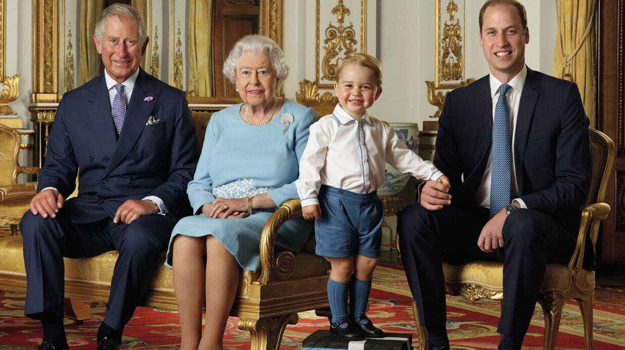 La reine Elizabeth, Charles, William et George réunis pour une photo historique