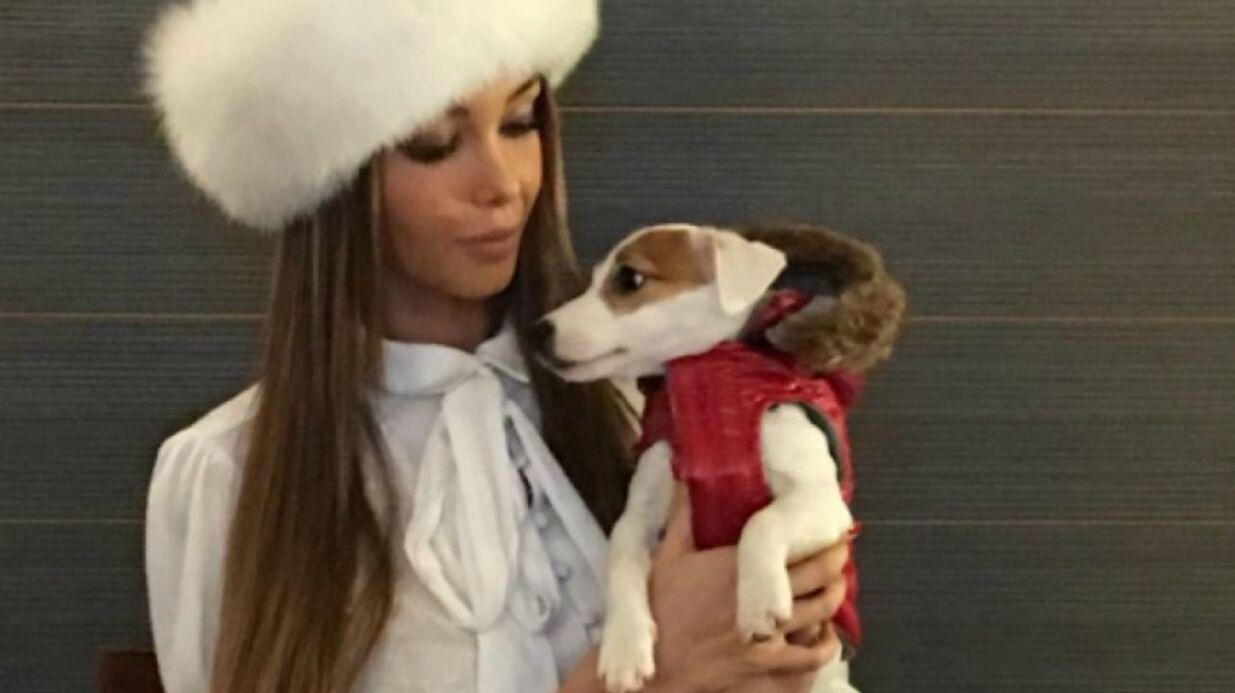 Nabilla joue la Mère Noël en Suisse