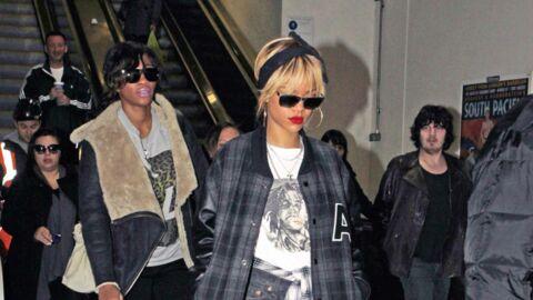 PHOTOS Rihanna prend le métro en porte-jarretelles