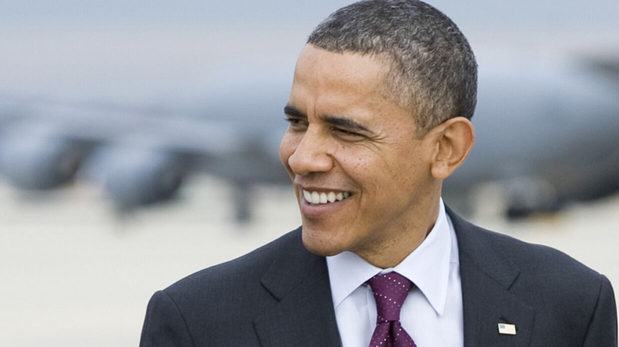 VIDEO Barack Obama chante pour les dona­teurs de sa campagne