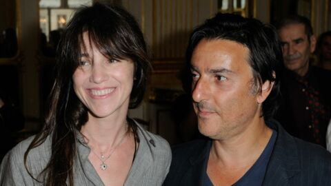 DIAPO Yvan Attal demande Charlotte Gainsbourg en mariage en plein discours