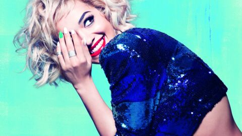 Rita Ora craque pour le rose Lose your lingerie de Rimmel
