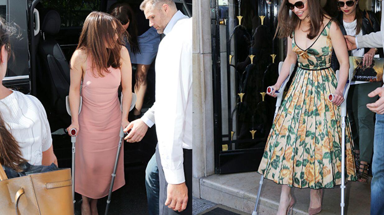 PHOTOS Blessée, Emilia Clarke (Game of Thrones) en béquilles et talons hauts hier à Paris