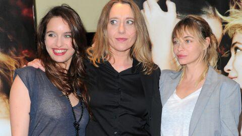 PHOTOS Un sein vole la vedette à Emmanuelle Béart