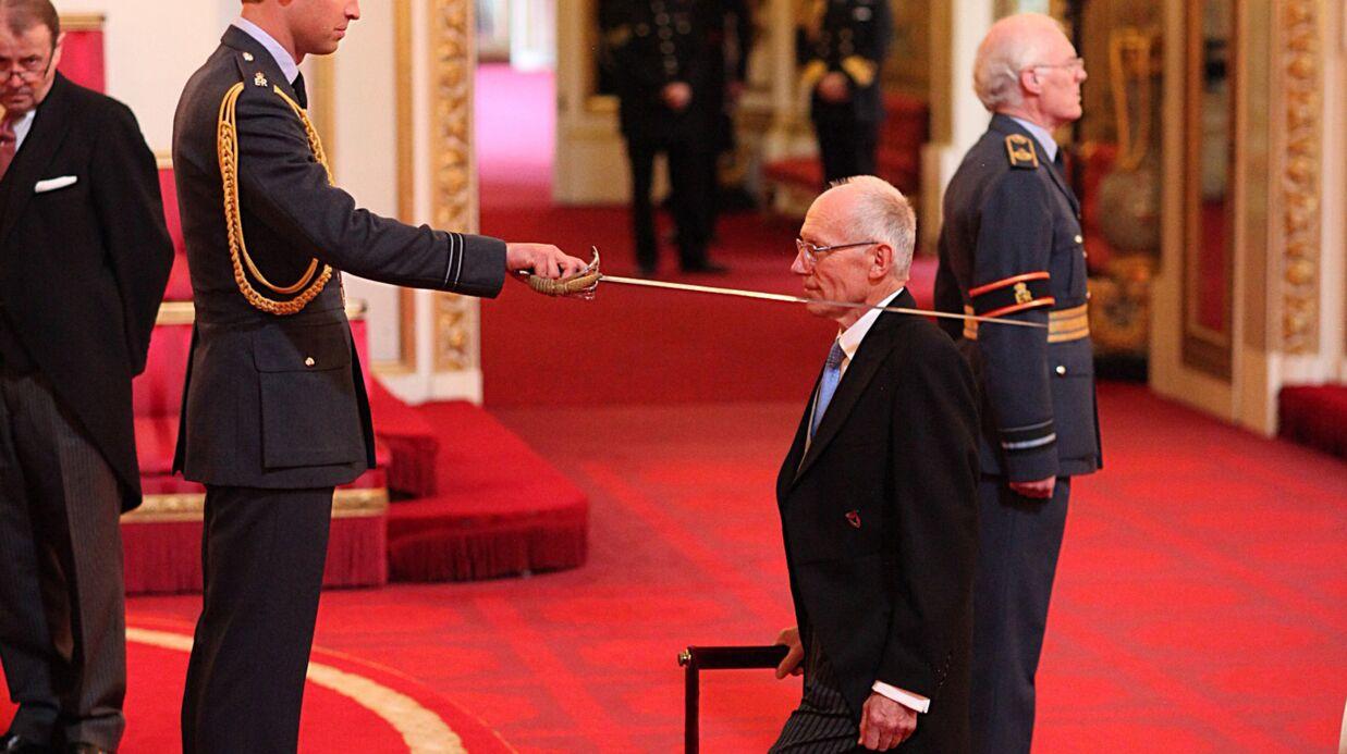 Le prince William anoblit le gynécologue qui a mis au monde le prince George