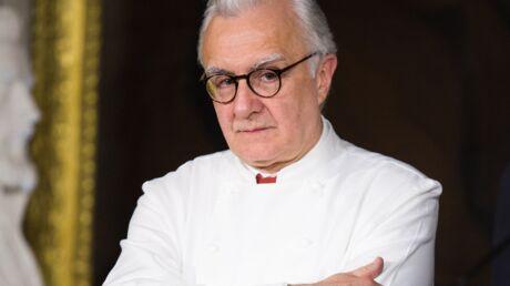 Alain Ducasse révèle avoir été poignardé en cuisine à ses débuts!