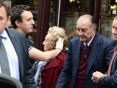 Sortie familiale pour Jacques Chirac dans une brasserie parisienne
