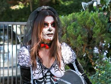 Sandra Bullock méconnaissable pour fêter Halloween avec son fils