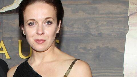 Amanda Abbington (Sherlock) s'est fait voler son sac dans la salle  alors qu'elle recevait son Emmy Award