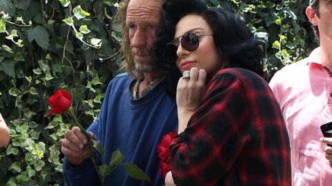 Lady Gaga confie à un SDF qu'elle sent mauvais