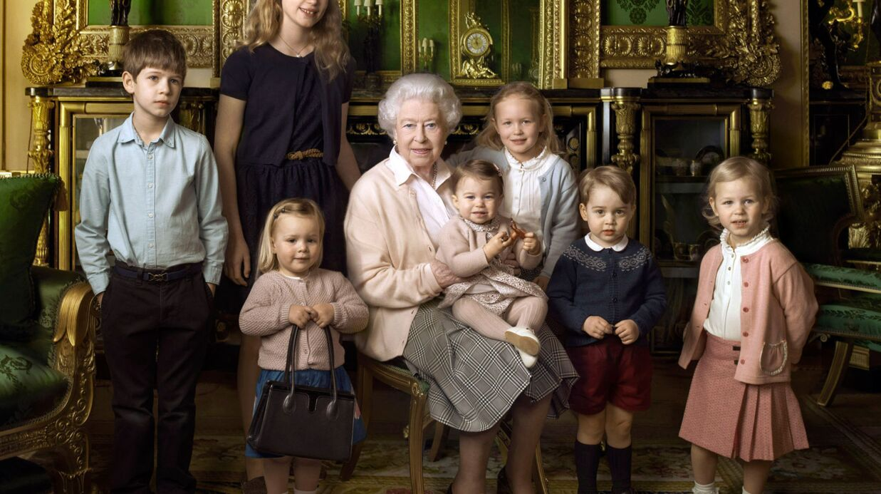 PHOTOS La reine Elizabeth II pose avec tous ses arrières petits-enfants