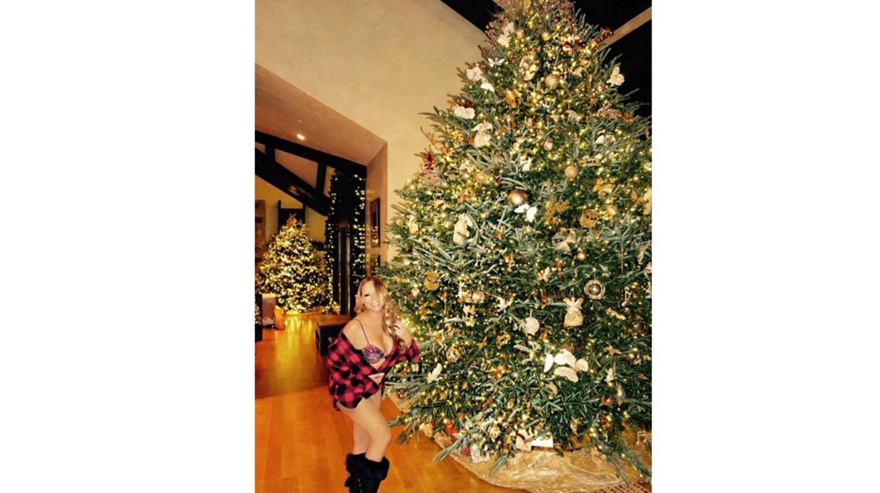 PHOTO Mariah Carey: à moitié nue, elle s'amuse à réinventer l'esprit de Noël version sexy