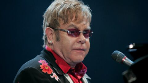 Elton John victime d'empoisonnement alimentaire