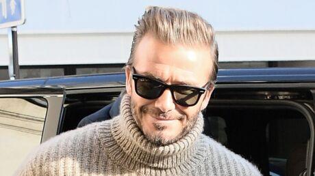 David Beckham porte secours à une vieille dame dans les rues de Londres