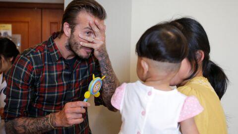 DIAPO David Beckham craque complètement pour des enfants