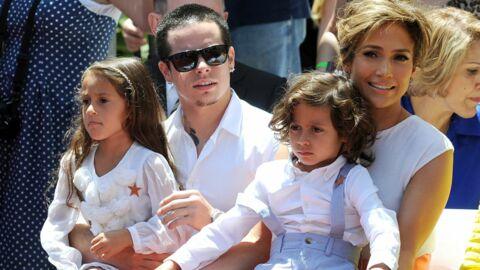 DIAPO Jennifer Lopez en famille pour recevoir son étoile sur Hollywood Boulevard