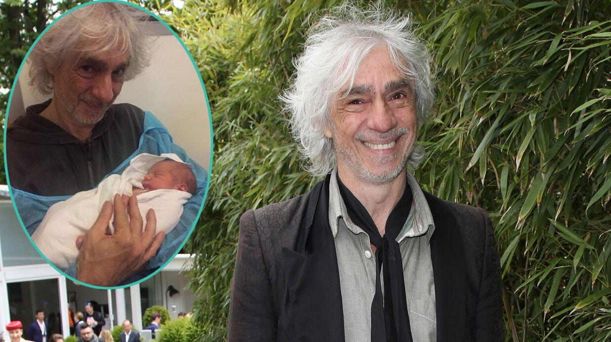 Louis Bertignac: de nouveau papa à 62 ans, il publie une vidéo de son fils