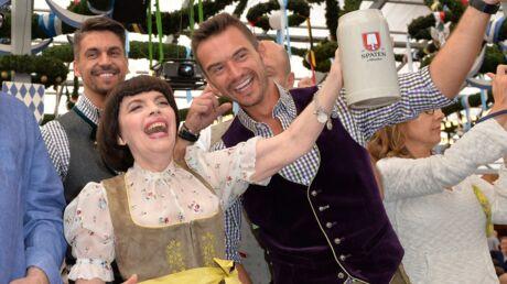 DIAPO Mireille Mathieu s'éclate à la Fête de la bière à Munich