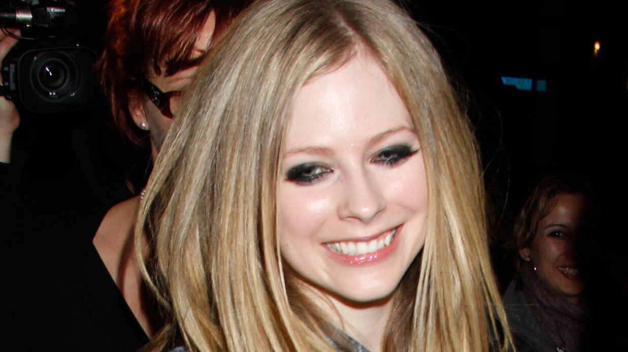 Avril Lavigne: à peine séparée, déjà fiancée!