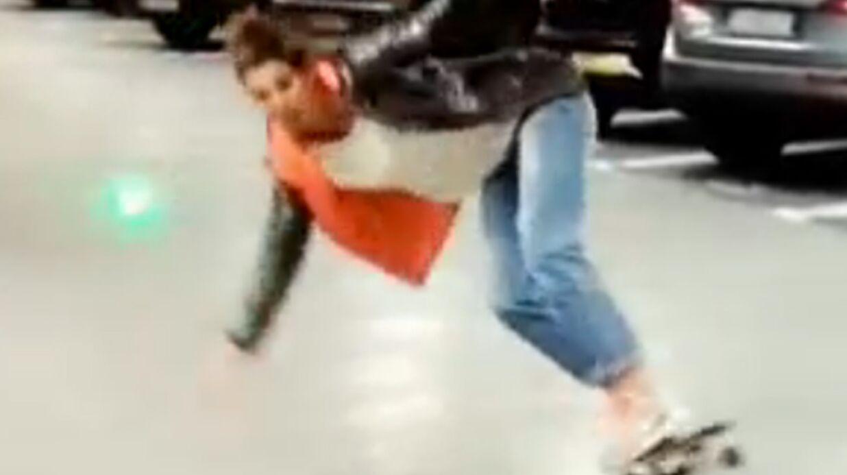 VIDEO Laury Thilleman fait une belle chute en skate-board