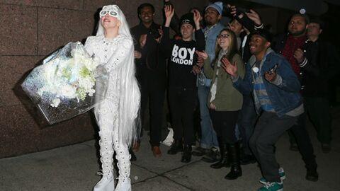 DIAPO Lady Gaga s'entraîne pour le lancer de bouquet