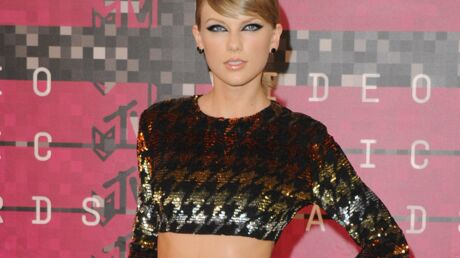 PHOTOS Taylor Swift: irrésistible demoiselle d'honneur au mariage de ses amis d'enfance