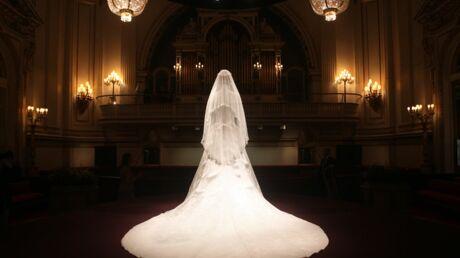 Kate Middleton expose sa robe de mariée à Buckingham