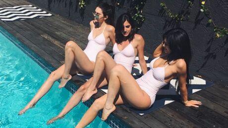 PHOTOS Kendall et Kylie Jenner, glamour et sexy, prennent le soleil en maillot de bain
