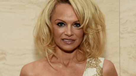 PHOTOS Pamela Anderson égérie très sexy de la marque Missguided
