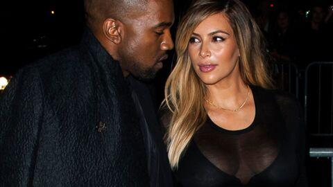 Kanye West demande Kim Kardashian en mariage dans un stade