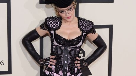 Madonna ordonne à ses danseurs de lui baiser les pieds