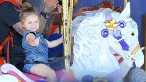 DIAPO Harper Beckham s'éclate à Disneyland avec ses parents et ses frères