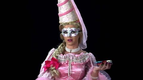 VIDEO Une star américaine s'est déguisée: saurez-vous la démasquer?
