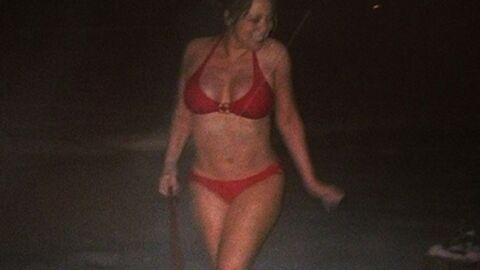 PHOTOS Mariah Carey fête Noël en maillot de bain dans la neige