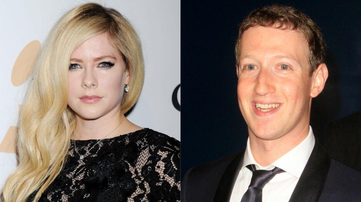 Mark Zuckerberg se moque de Nickelback, Avril Lavigne vole au secours du groupe de son ex