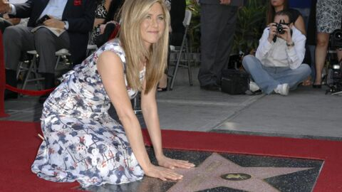 PHOTOS Jennifer Aniston étoilée à Hollywood devant son chéri et son père