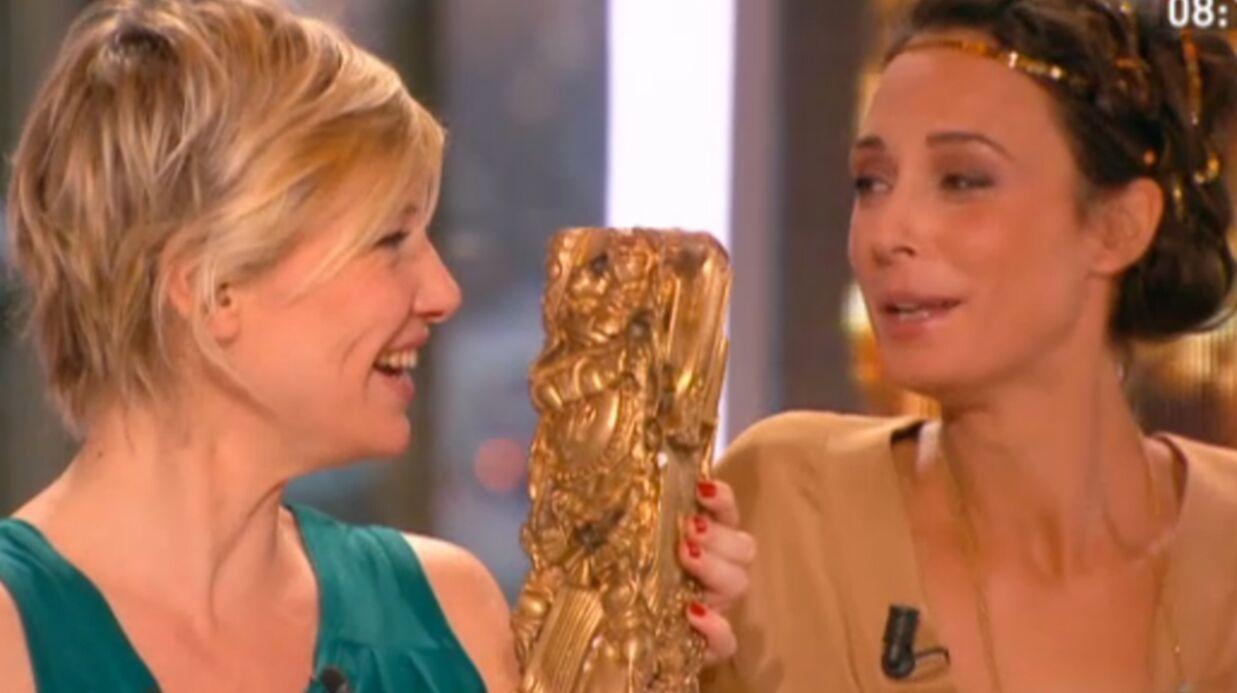 VIDEO La miss météo de Canal + montre un sein par accident